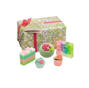 bath-bomb-bomb-cosmetics